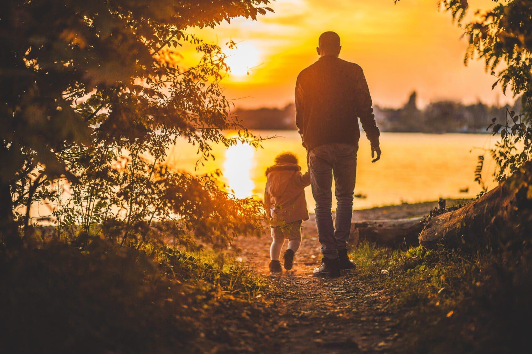 5 Lời Khuyên Để Nói Chuyện Với Con Về Biến Đổi Khí Hậu Mà Không Làm Con Sợ